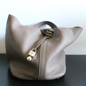 Hermes Picotin Taupe size 22